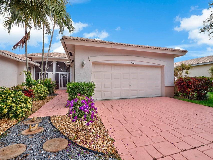 9524 Crescent View Drive N, Boynton Beach, FL 33437