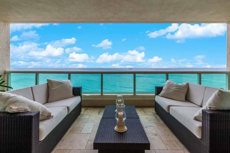 Co-op / Condo for Sale at 101 S Fort Lauderdale Beach Boulevard 101 S Fort Lauderdale Beach Boulevard Fort Lauderdale, Florida 33316 United States
