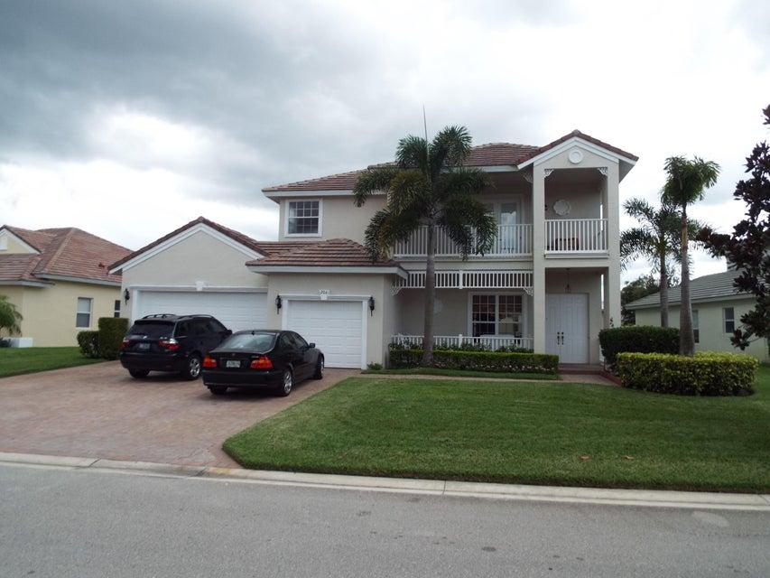 206 Magnolia Lakes Boulevard, Saint Lucie West, FL 34986