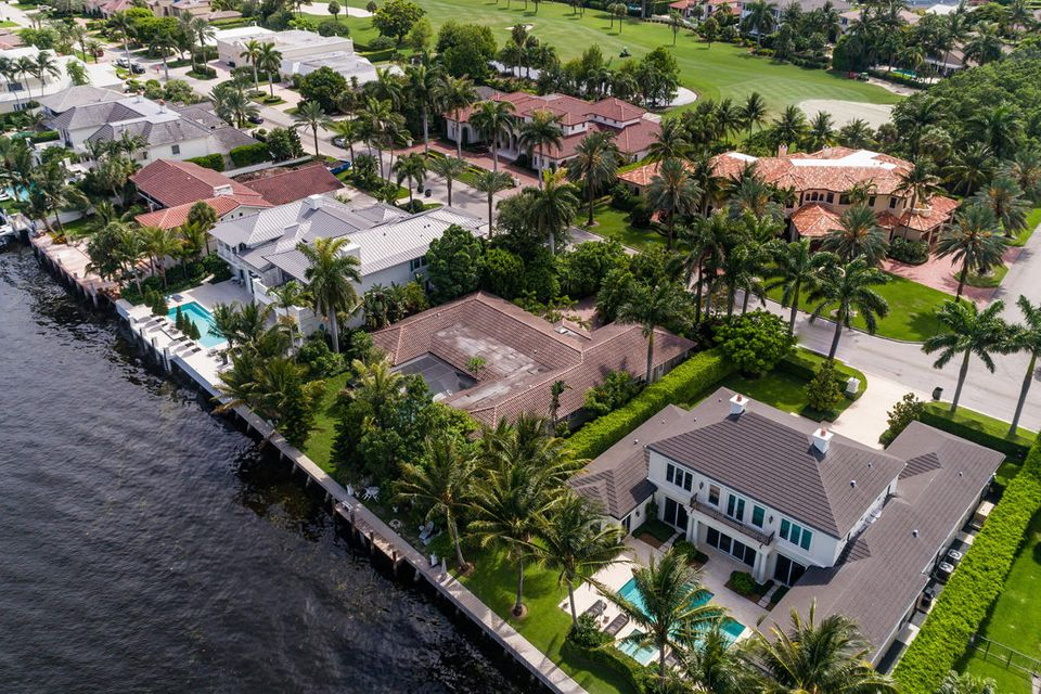 1160  Royal Palm Way , Boca Raton FL 33432 is listed for sale as MLS Listing RX-10342785 photo #4