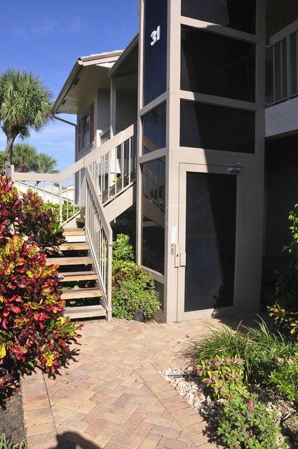 31 Eastgate Drive B, Boynton Beach, FL 33436
