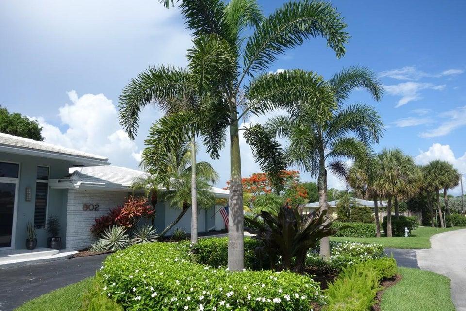 802 Lake Shore Drive, Delray Beach, FL 33444