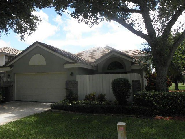 240 Sherwood Forest Drive, Delray Beach, FL 33445