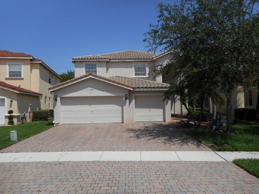 Maison unifamiliale pour l Vente à 7261 Via Luria Lake Worth, Florida 33467 États-Unis