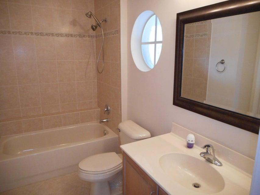 Additional photo for property listing at 7261 Via Luria  Lake Worth, Florida 33467 États-Unis