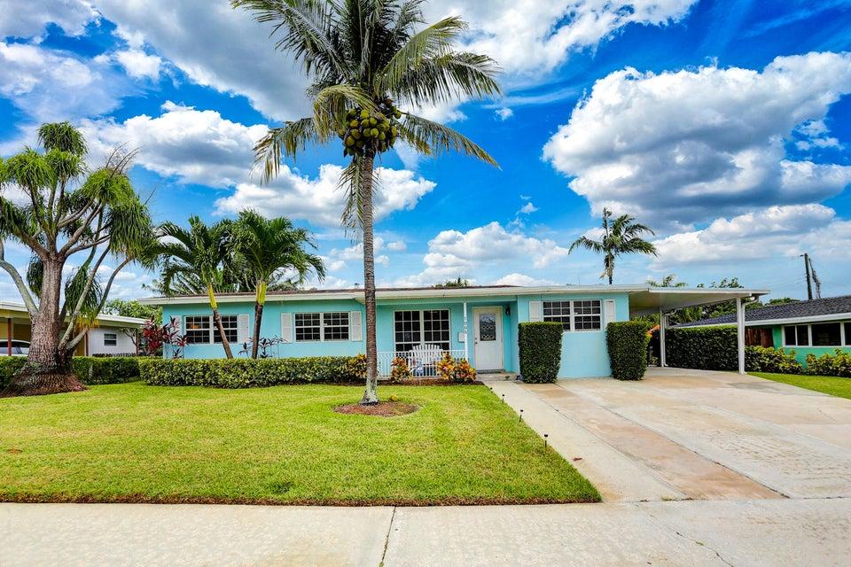 1008 W Drew Street, Lantana, FL 33462