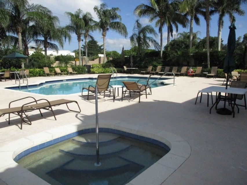 Addison Trace Pool and Hot Tub