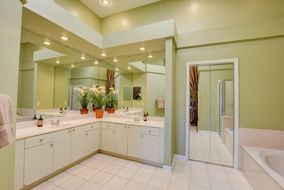 Dual Sinks  in Master Bath