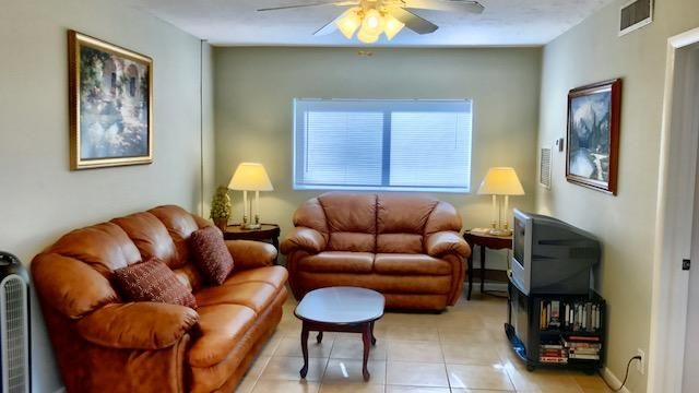 Additional photo for property listing at 1349 W Ocean Avenue 1349 W Ocean Avenue Lantana, Florida 33462 États-Unis