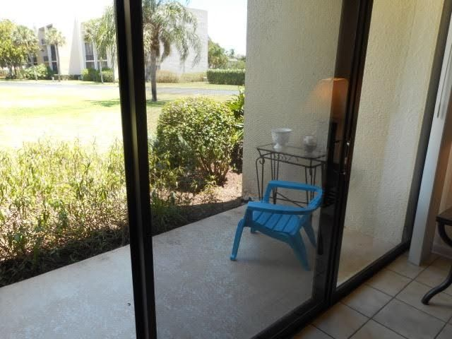 Additional photo for property listing at 1605 Us-1 1605 Us-1 Jupiter, Florida 33477 Estados Unidos