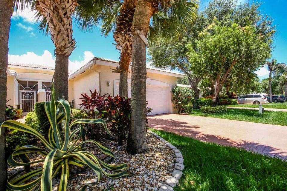 9532 Crescent View Drive N, Boynton Beach, FL 33437