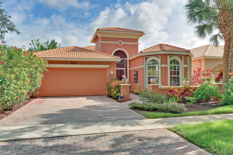 9845 Via Grande W, Wellington, FL 33411