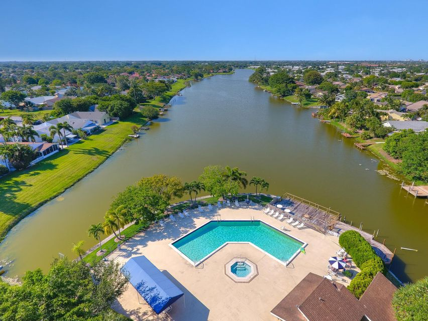 2155 NW 12th St Delray Beach-large-024-1