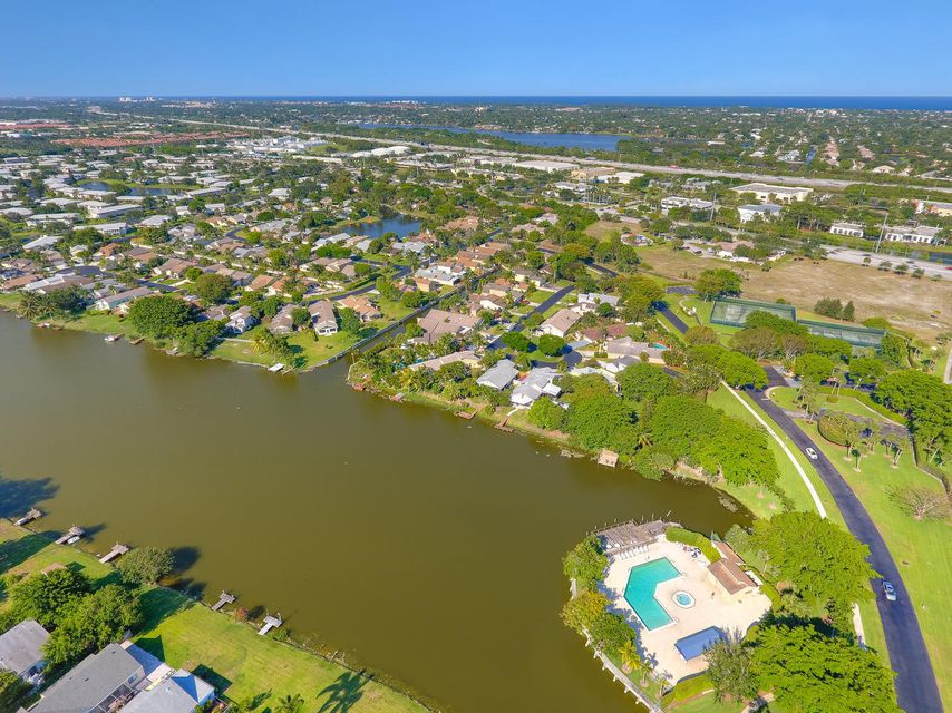 2155 NW 12th St Delray Beach-large-027-2
