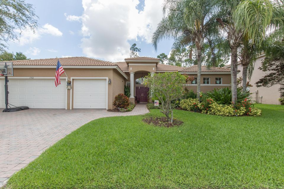 1742 Newhaven Point Lane, West Palm Beach, FL 33411