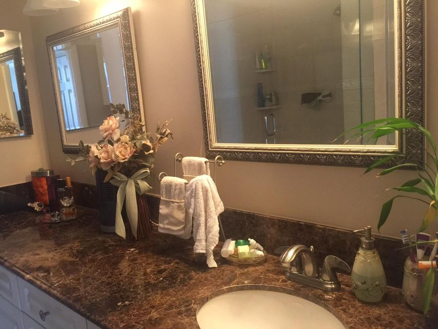 Additional photo for property listing at 21 Royal Palm Way 21 Royal Palm Way Boca Raton, Florida 33432 Estados Unidos