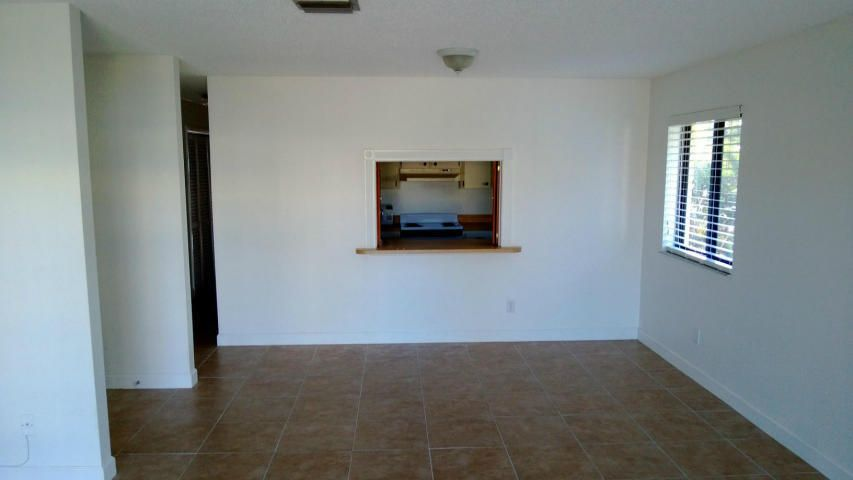 Additional photo for property listing at 125 S Palmway  Lake Worth, Florida 33460 Estados Unidos