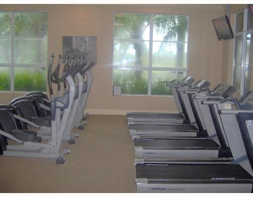 villa lago gym