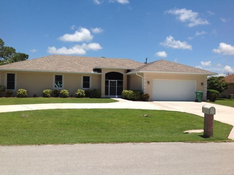 Single Family Home for Sale at 410 SE Gasparilla Avenue 410 SE Gasparilla Avenue Port St. Lucie, Florida 34983 United States