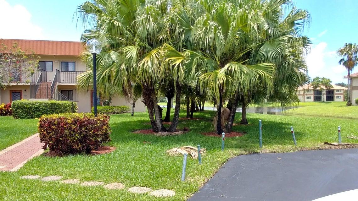 Cooperativa / condomínio para Venda às 15450 Pembridge Avenue 15450 Pembridge Avenue Delray Beach, Florida 33484 Estados Unidos