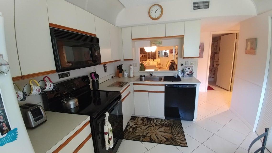 Additional photo for property listing at 15450 Pembridge Avenue 15450 Pembridge Avenue Delray Beach, Florida 33484 Estados Unidos
