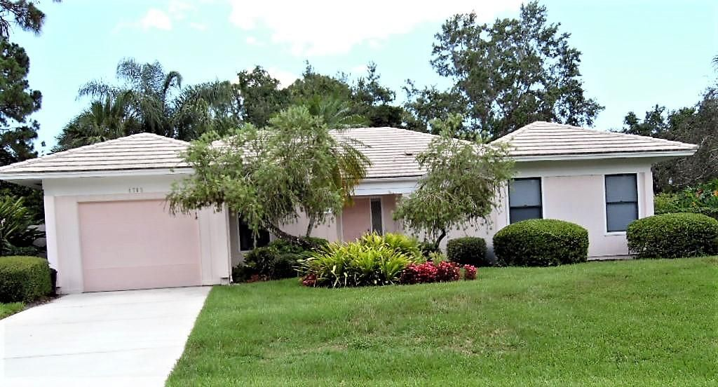 Single Family Home for Sale at 4705 SW Lorne Court 4705 SW Lorne Court Palm City, Florida 34990 United States