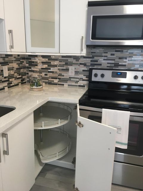 Additional photo for property listing at 3061 NW 47th Terrace 3061 NW 47th Terrace Lauderdale Lakes, Florida 33313 États-Unis