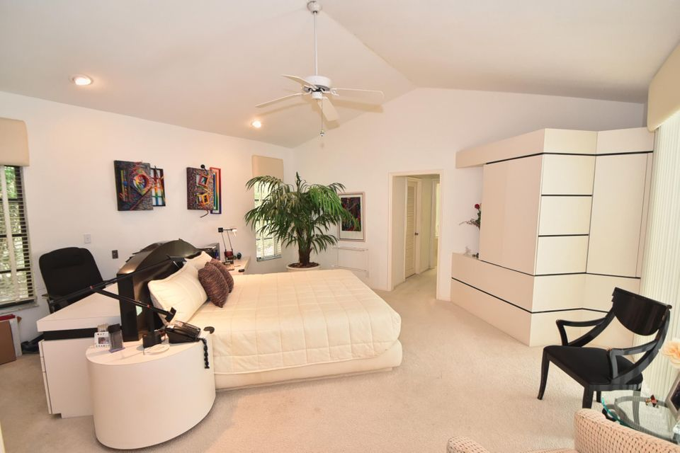 Additional photo for property listing at 3860 Live Oak Boulevard 3860 Live Oak Boulevard Delray Beach, Florida 33445 United States