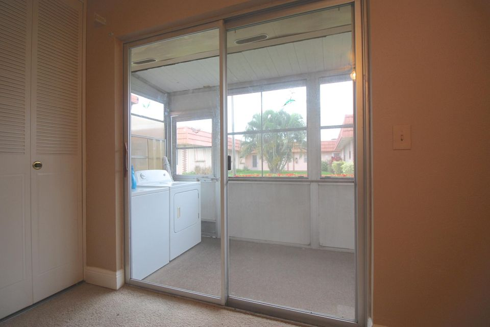 Additional photo for property listing at 34 Valencia B 34 Valencia B Delray Beach, Florida 33446 United States