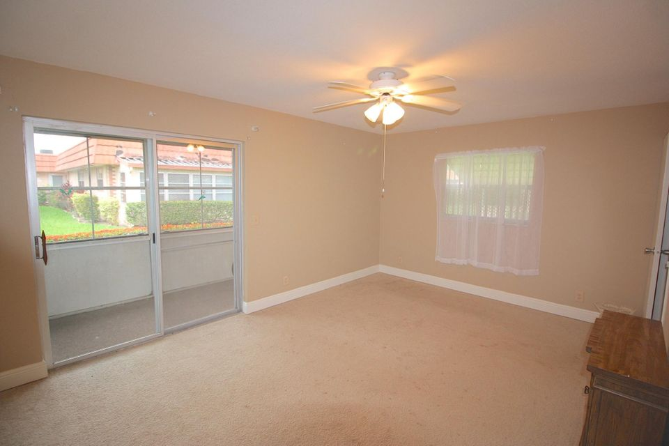 Additional photo for property listing at 34 Valencia B  Delray Beach, Florida 33446 United States