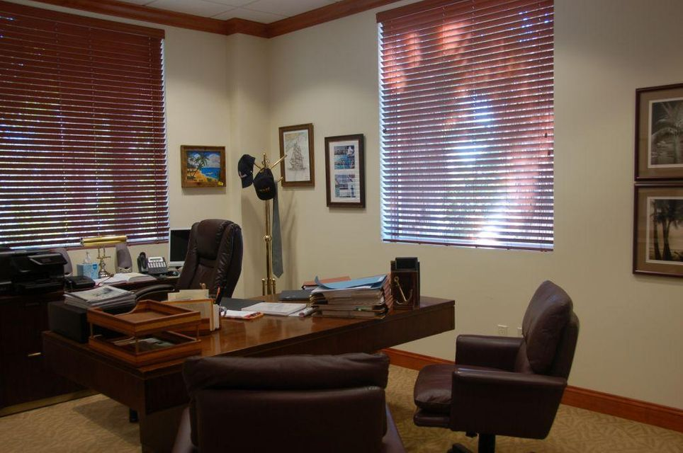 Additional photo for property listing at 2475 Mercer Avenue  West Palm Beach, Florida 33401 Estados Unidos