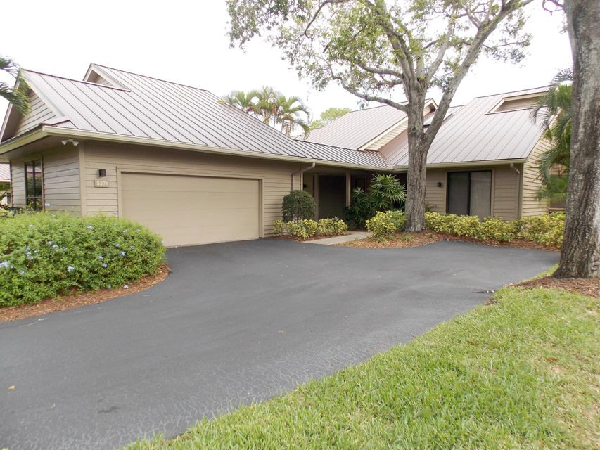 Villa for Sale at 5271 SE Brandywine Way 5271 SE Brandywine Way Stuart, Florida 34997 United States