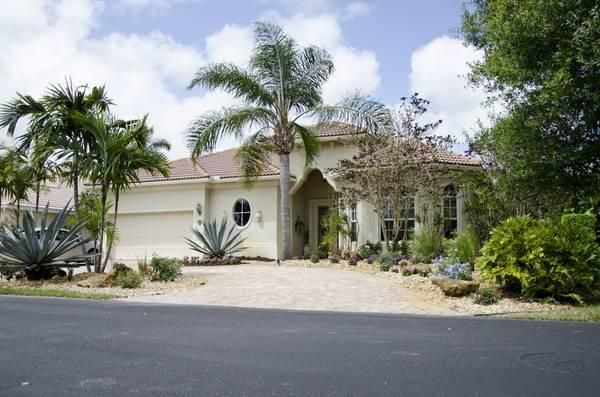 957 Greensward Lane, Delray Beach, FL 33445