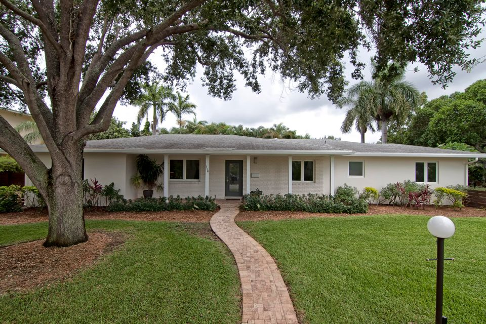 718 Gardenia Terrace, Delray Beach, FL 33444