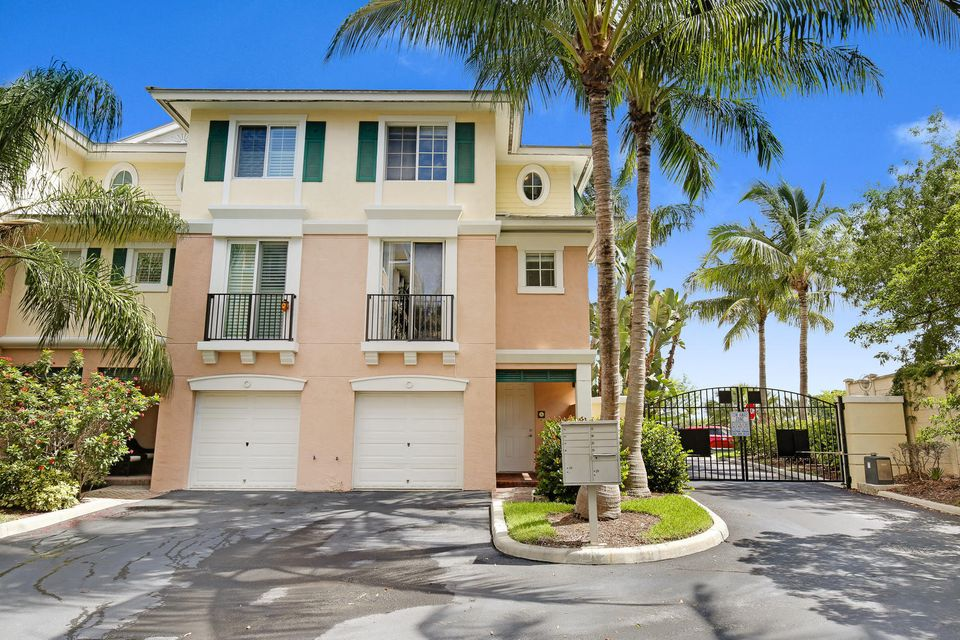 Townhouse for Sale at 350 NE 3rd Street 350 NE 3rd Street Delray Beach, Florida 33444 United States