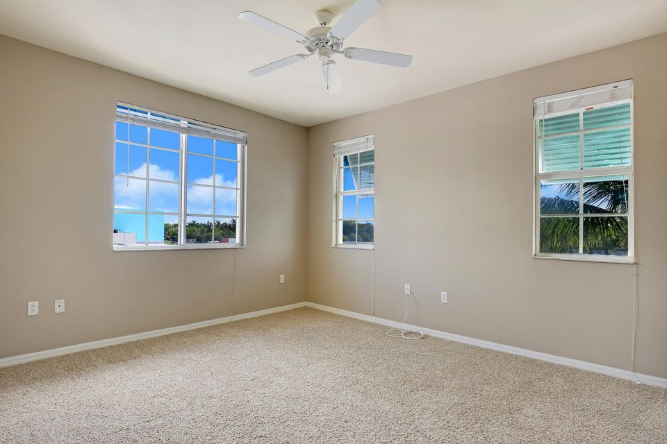 Additional photo for property listing at 350 NE 3rd Street 350 NE 3rd Street Delray Beach, Florida 33444 United States