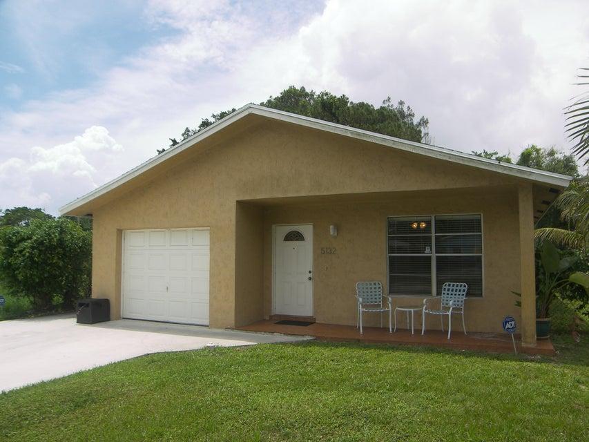 5132 Lake Boulevard, Delray Beach, FL 33484