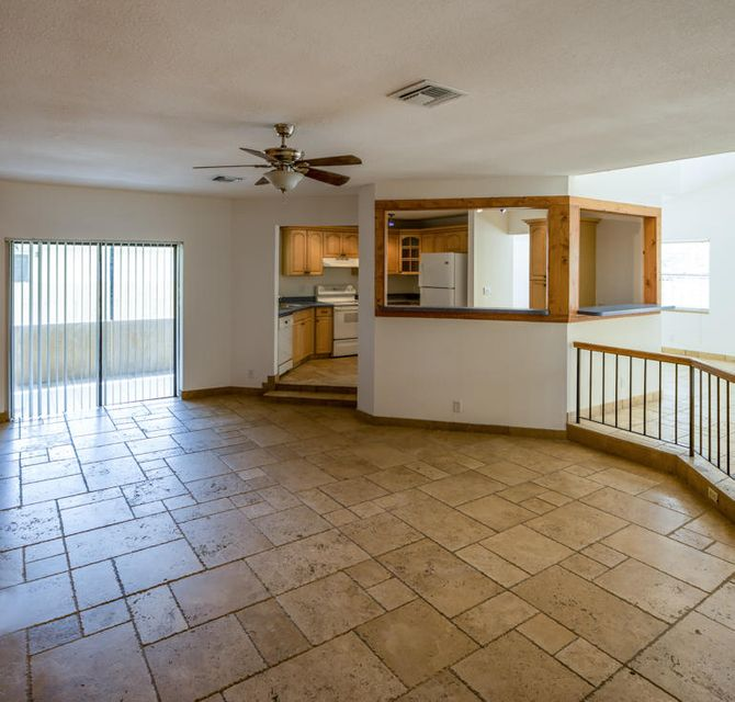 Additional photo for property listing at 4536 Pine Tree Drive  Delray Beach, Florida 33445 Estados Unidos