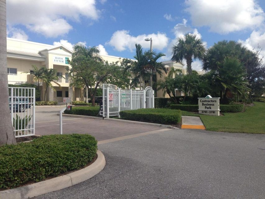 Commercial / Industrial للـ Rent في 2721 Vista Parkway 2721 Vista Parkway West Palm Beach, Florida 33411 United States