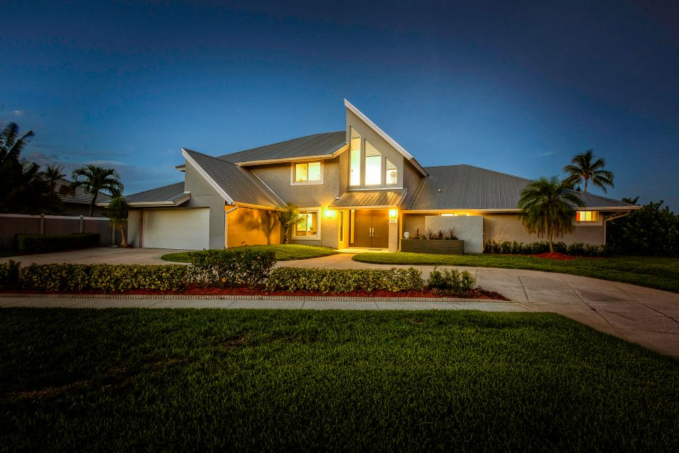 Single Family Home for Sale at 109 Olympus Way 109 Olympus Way Jupiter, Florida 33477 United States