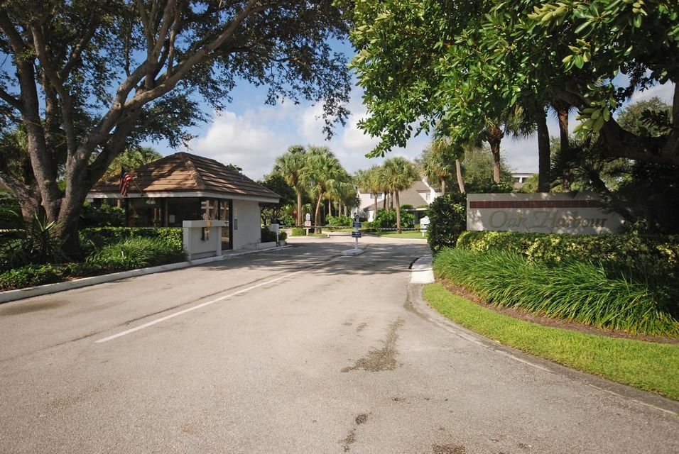 Additional photo for property listing at 334 Oak Harbour Drive  Juno Beach, Florida 33408 États-Unis