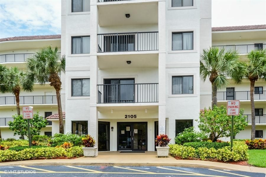 2105 Lavers Circle 406, Delray Beach, FL 33444