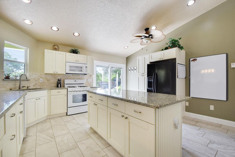 Additional photo for property listing at 7480 SE Teton Drive  Hobe Sound, Florida 33455 Estados Unidos