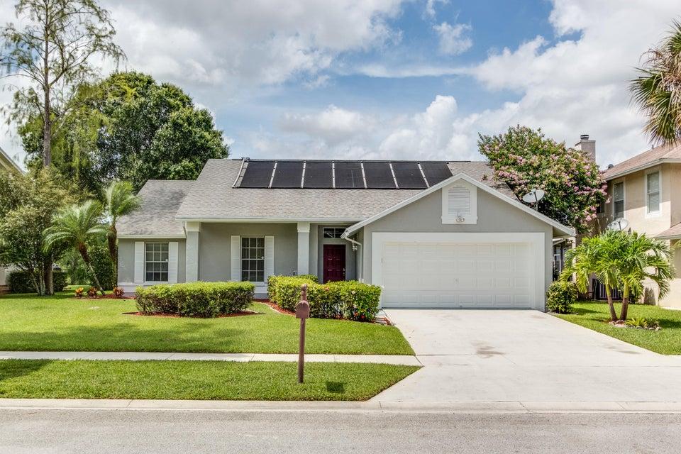 3586 Woods Walk Boulevard, Lake Worth, FL 33467
