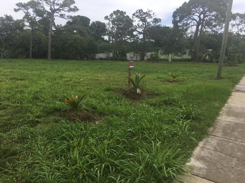 Casa Unifamiliar por un Venta en 5239 SE Jack Avenue 5239 SE Jack Avenue Stuart, Florida 34997 Estados Unidos