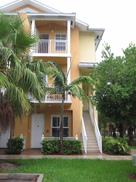 366 SW 13th Terrace, Fort Lauderdale, FL 33312