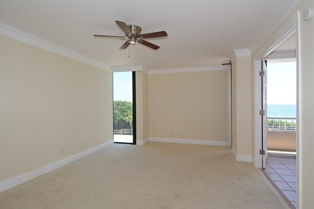 Additional photo for property listing at 5550 N Ocean Drive  Riviera Beach, Florida 33404 United States