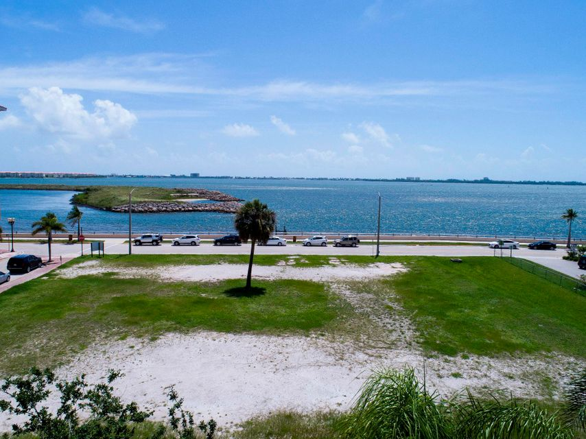 Commercial Land for Sale at 200 S Indian River Drive 200 S Indian River Drive Fort Pierce, Florida 34950 United States