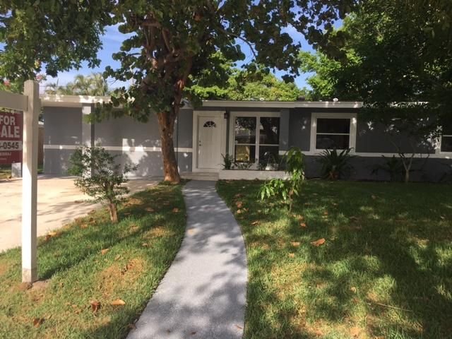 Single Family Home for Sale at 1430 Cindy Drive 1430 Cindy Drive Lake Worth, Florida 33461 United States