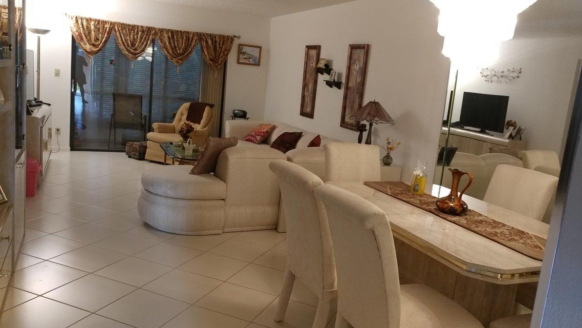Additional photo for property listing at 15450 Pembridge Avenue  Delray Beach, Florida 33484 Estados Unidos